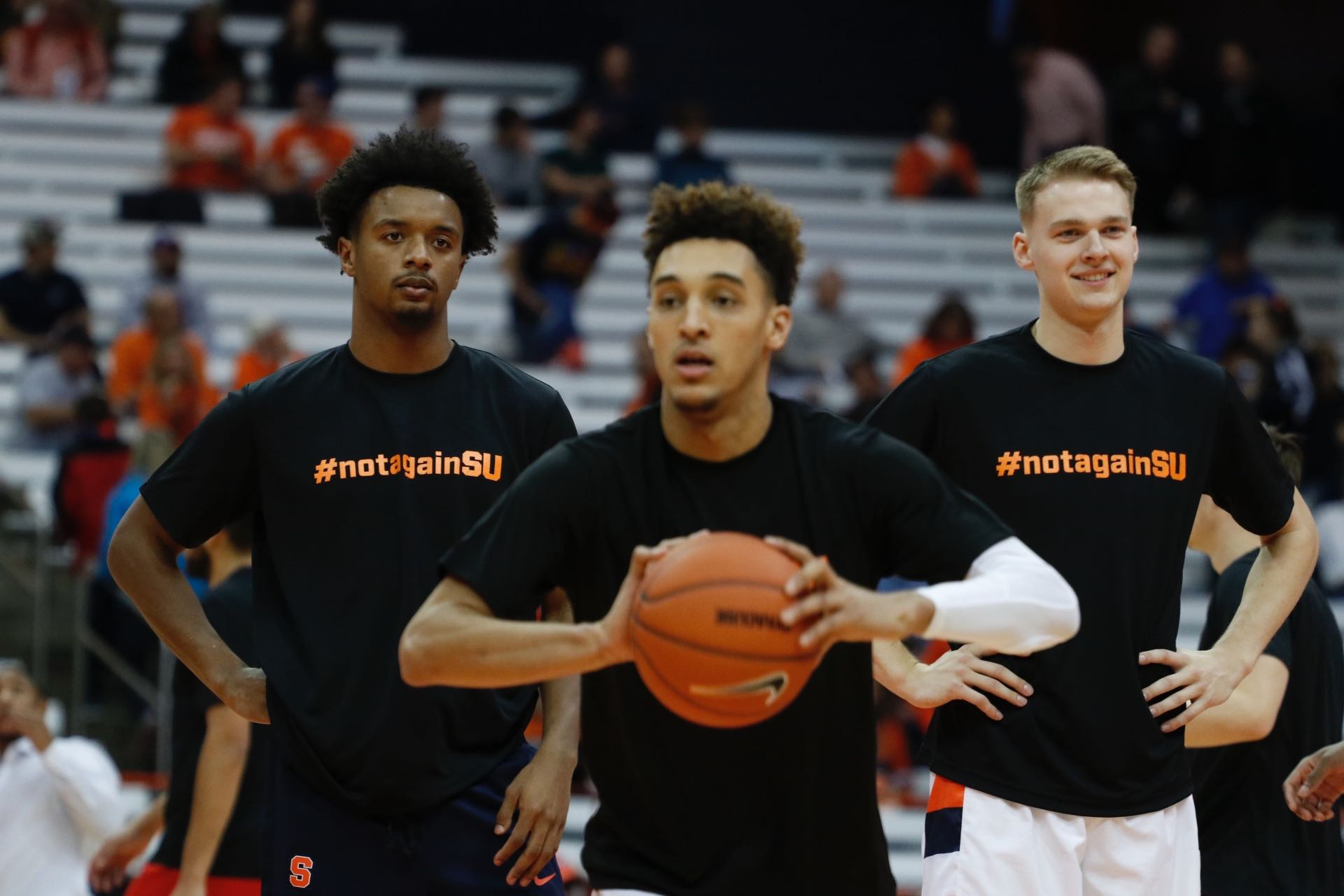 Syracuse Men S Basketball Makes Statement With Notagainsu Warm Ups The Daily Orange