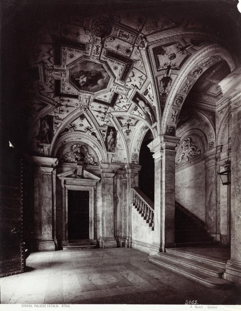 Genova. Palazzo Cataldi. Atrio.