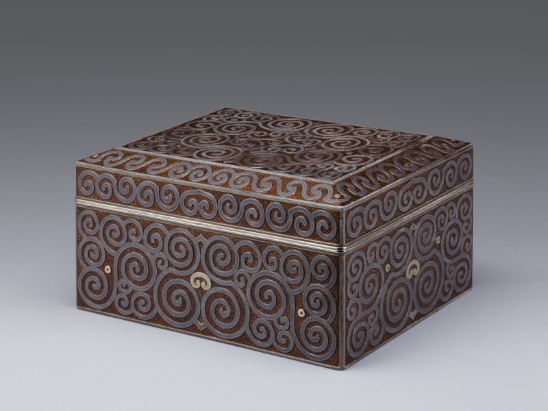Accessory Box (Tebako) with Whirlpool Design