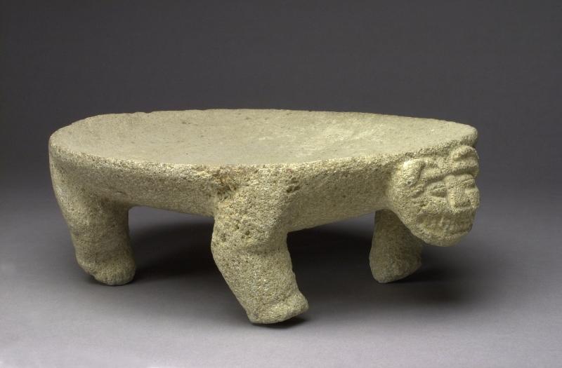 Feline-form Metate