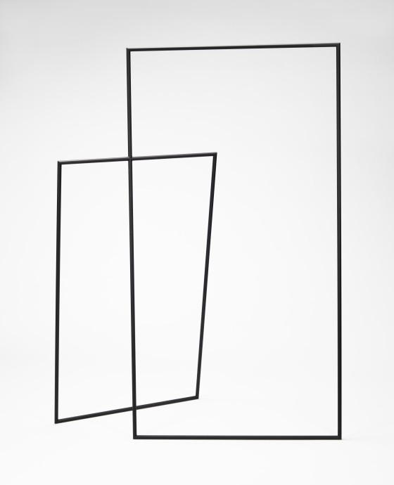 Thin Black Lines (8000mm hanger rack)