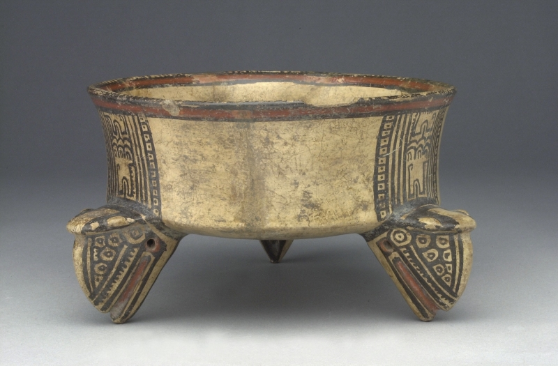Tripod Bowl with Animal Head-shaped Supports