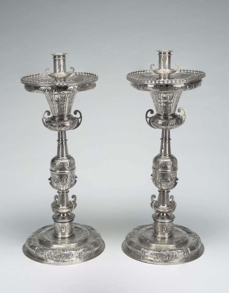 Pair of Candlesticks (par de blandones)