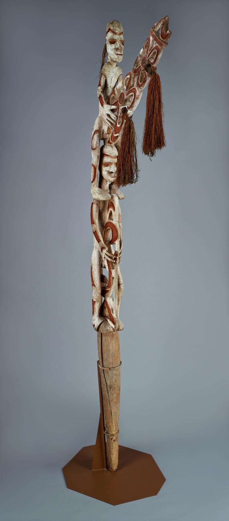 Bis Memorial Pole