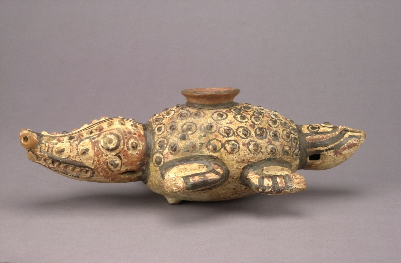 Crocodile-form Jar