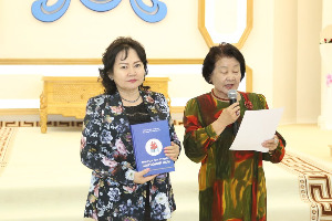 """""""Монгол гэр бүлийн ширээний ном""""-ын агуулгаар хийх уншигчдын бага хурал боллоо"""