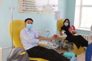 JCI Дархан салбар байгууллагын залуус Дархан цусны салбар төвд цусаа хандивлалаа