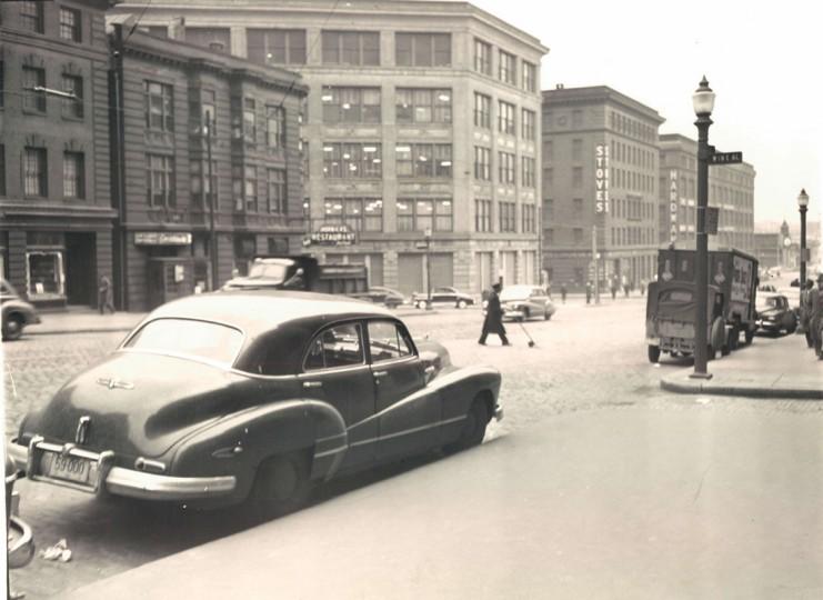 Scenes from historic Light Street. (Albert Cochran/Baltimore Sun file photo dated March 1948)