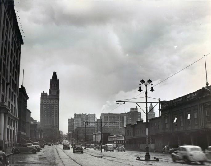 Scenes from historic Light Street. (Baltimore Sun file/July. 1938)