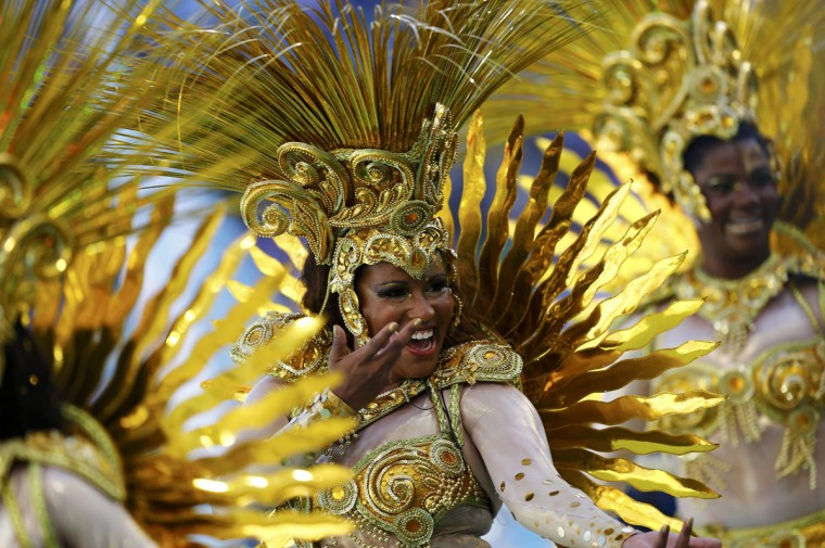 Dancers perform during the 2014 World Cup closing ceremony at the Maracana stadium in Rio de Janeiro July 13, 2014. (Darren Staples/Reuters)