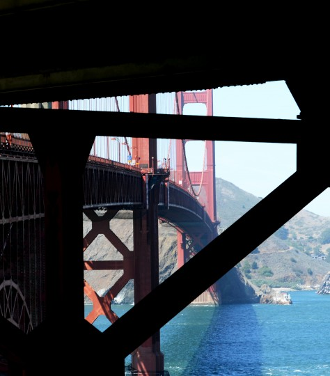 To photograph the Golden Gate Bridge, which is one of the most photographed bridges in the world, I strove to find a unique angle.