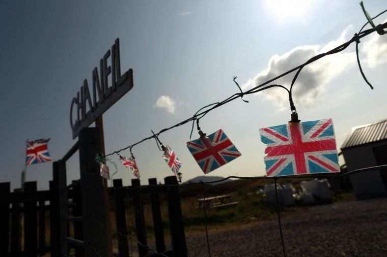 "Union flag fairy lights are pictured outside a cottage supporting the ""No"" campaign on North Uist in the Outer Hebrides on September 15, 2014. (REUTERS/Cathal McNaughton)"