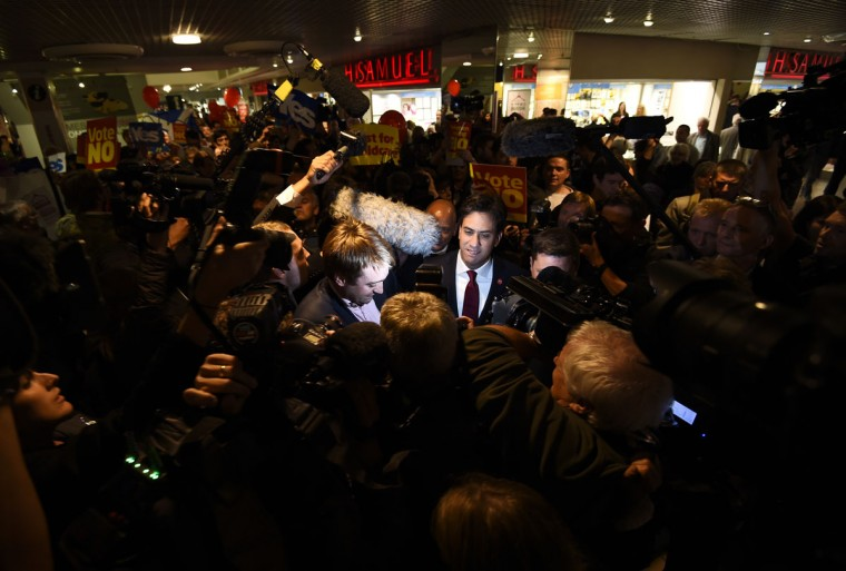 Britain's opposition Labour Party leader Ed Miliband campaigns against Scottish independence in a shopping center in Edinburgh, Scotland, on September 16, 2014. (REUTERS/Dylan Martinez)