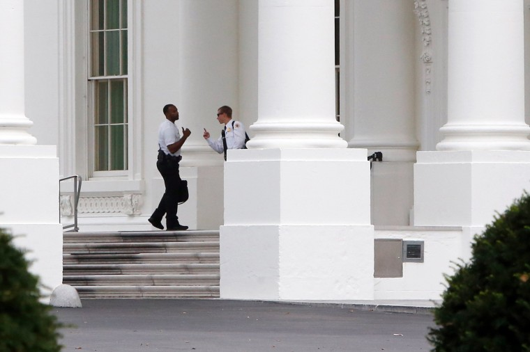 Members of the Uniformed Division of the Secret Service patrol the North Portico of the White House in Washington September 29, 2014. (Jonathan Ernst/Reuters)