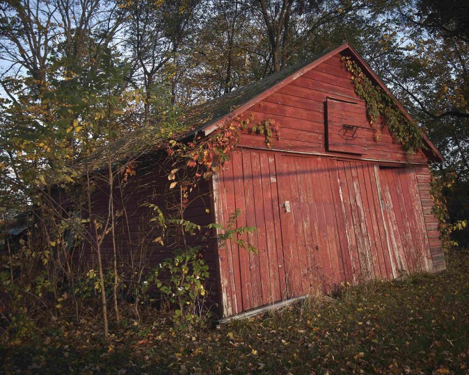 An abandoned garage is pictured in the Catskills region of New York October 4, 2014. (Carlo Allegri/Reuters)