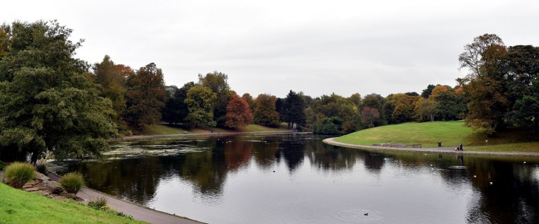 A picture shows the boating lake at Sefton Park in Liverpool, northwest England, on October, 14, 2014. (Paul Elis/AFP/Getty Images)