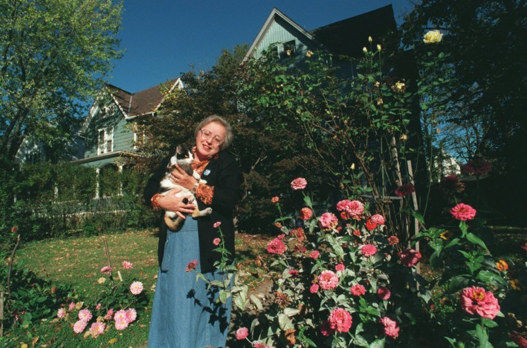 "10/31/00: Eva Meysenburg moved to Waverly in 1997 from south Baltimore. She talked fondly about Waverly saying, ""It's very pleasant to live here."" Although she mentioned some problems with people stealing cars, she described Waverly as ""a pocket of peace and quality living."" (Algerina Perna/Baltimore Sun)"
