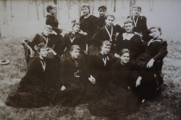 Mount de Sales Class of 1892.