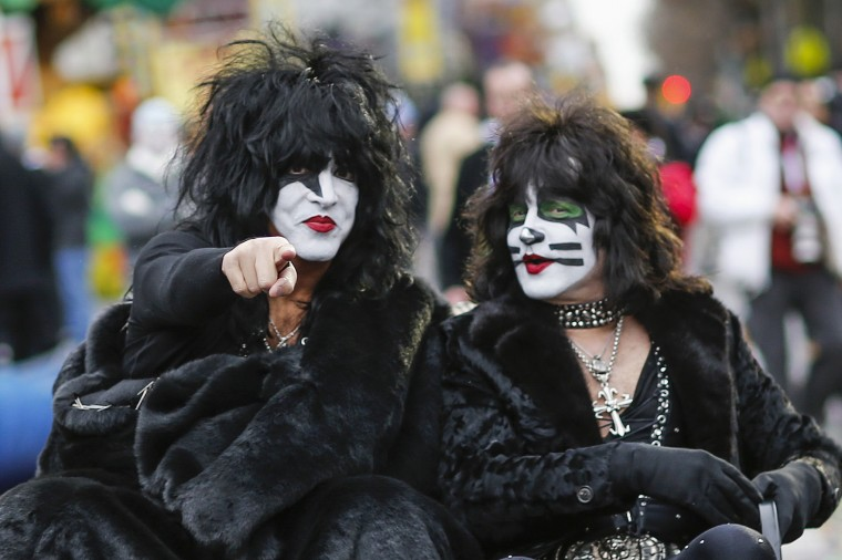 Paul Stanley (left) and Eric Singer of KISS attend the 88th Macy's Thanksgiving Day Parade in New York. (REUTERS/Eduardo Munoz)