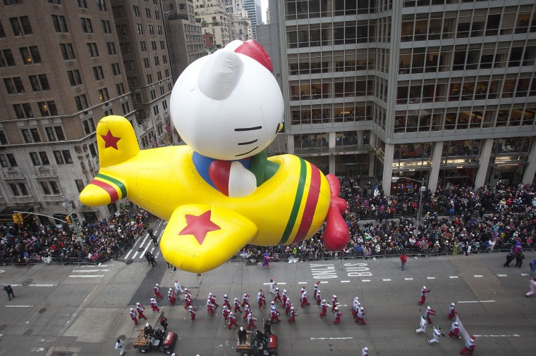 The Hello Kitty float makes its way down 6th Ave during the Macy's Thanksgiving Day Parade in New York. (REUTERS/Carlo Allegri)