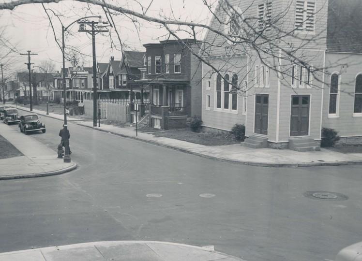 Scenes from Waverly. Dec 12, 1950. Sun file photo by Joe DiPaula.