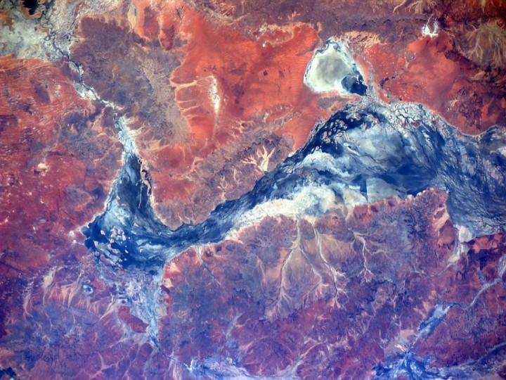 A red desert in Australia makes for unbelievable earth art. (Reid Wiseman/NASA)