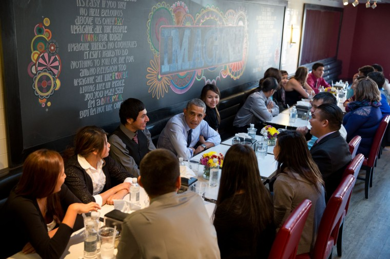 """Nov. 20, 2014 """"Fulfilling their promise, the President and First Lady have lunch with youth from the Standing Rock Sioux Tribe at a restaurant in Washington, D.C. Earlier in the day, the youth toured the White House and had meetings with the President and First Lady and other White House officials."""" (Official White House Photo by Pete Souza)"""