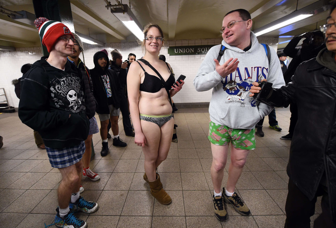 no knickers on train