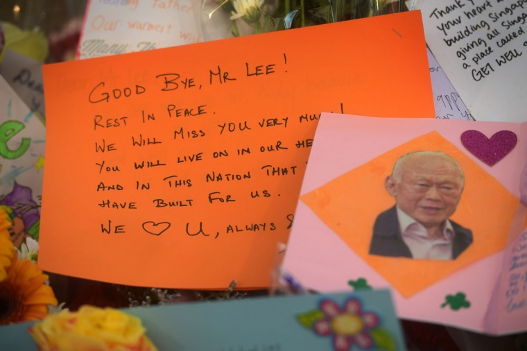 """A farewell message to former Singapore Prime Minister Lee Kuan Yew at the hospital where he passed away, Monday, March 23, 2015 in Singapore. Singaporeans wept and world leaders paid tribute Monday as the Southeast Asian city-state mourned the death of its founding father Lee Kuan Yew. The government announced that Lee """"passed away peacefully"""" several hours before dawn at Singapore General Hospital. He was 91. (AP Photo/Joseph Nair)"""