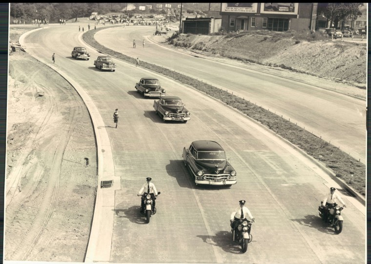 The major's inaugural trip on the beltway after opening. (W. Ross Dunaway/Baltimore Sun)