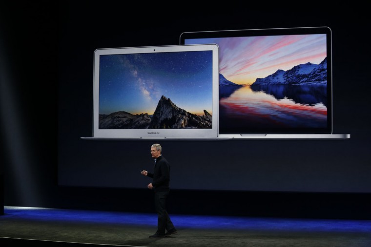 Apple CEO Tim Cook announces the new MacBook during an Apple special event at the Yerba Buena Center for the Arts on March 9, 2015 in San Francisco, California. (Photo by Stephen Lam/Getty Images)