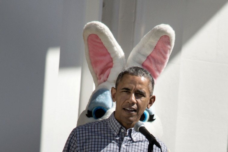 US President Barack Obama speaks during an Easter Egg Roll on the South Lawn of the White House April 6, 2015 in Washington, DC. (AFP Photo/P /brendan )