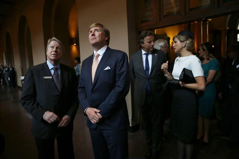 "King Willem-Alexander (2nd L) and Queen Maxima (R) of the Netherlands tours a ""Global City Team Challenge"" event to launch the ""Global Smart City Coalition"" June 1, 2015 in Washington, DC. King Willem-Alexander and Queen Maxima are visiting the United States for three days, the first time since ascending to the throne. (Photo by Win McNamee/Getty Images)"