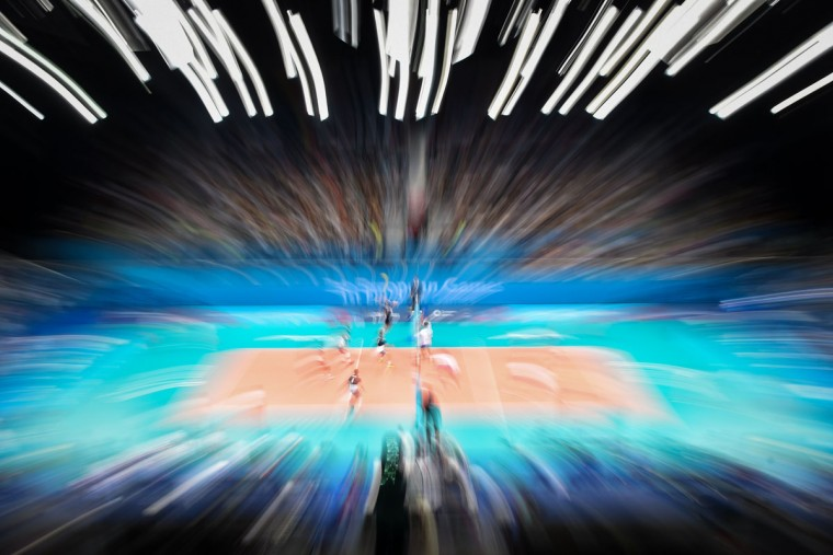 Athletes compete in the men's quarterfinal volleyball match Poland vs Slovakia at the 2015 European Games in Baku on June 24, 2015. (KIRILL KUDRYAVTSEV/AFP/Getty Images)