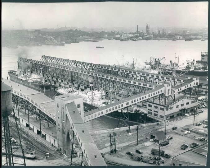 An aerial view of the B&O at Locust Point on Sept. 27, 1946. (Baltimore Sun photo by WM Klender)