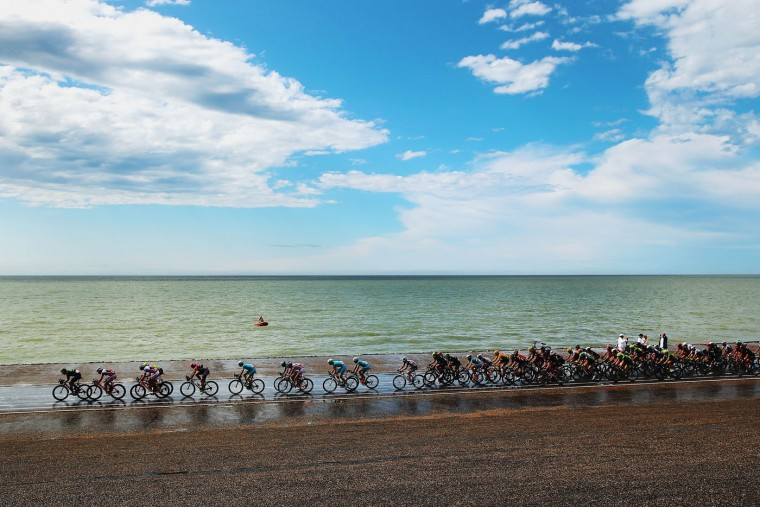 The peloton rides along the North Sea coast during stage two of the 2015 Tour de France, a 166km stage between Utrecht and Zelande, on July 5, 2015 in Zelande, Netherlands. (Bryn Lennon/Getty Images)