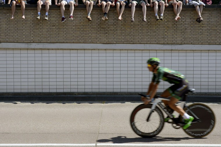 A rider practices during a 13.8 km individual time-trial, the first stage of the 102nd edition of the Tour de France cycling race on July 4, 2015, in Utrecht, The Netherlands. (AFP Photo/Jeff Pachoud)
