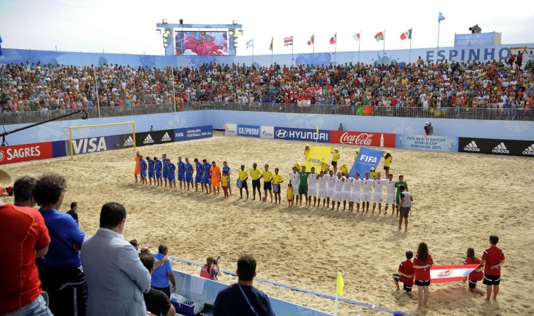 Italy and Tahiti line up during their FIFA Beach Soccer World Cup semi-final match in Espinho, Portugal, Saturday, July 18, 2015. Tahiti win on penalties 3-1 after a 6-6 draw. (AP Photo/Paulo Duarte)