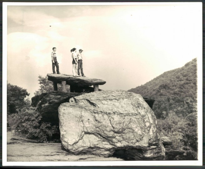 Jefferson's Rock in Harpers Ferry, 1959. (Baltimore Sun archives)