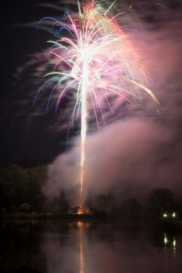 Fireworks at the Columbia Lakefront. Photo taken with Canon 1D-X. The f-stop was set at f/11, the ISO at 200 and the focal length at 23mm. The exposure time was 6.5 seconds. (Nate Pesce/For The Baltimore Sun)