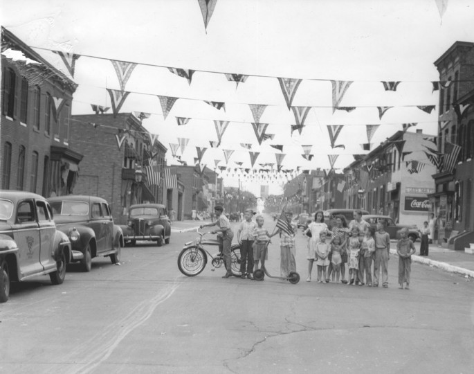 Decorations on East Randall Street. (Baltimore Sun archives)
