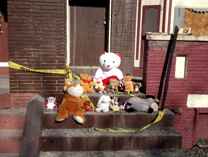 Mayor Stephanie Rawlings-Blake joined fire officials on Jan. 17, 2015 to distribute smoke detectors in Reservoir Hill, where a 2-year-old boy was killed in a one-alarm fire Tuesday. (Joe Burris/Baltimore Sun)