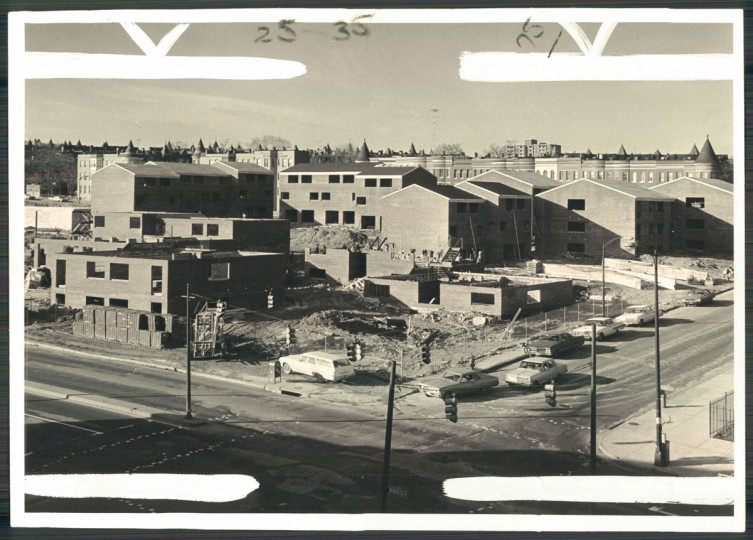 New townhomes are built at Park and West North avenues in Reservoir Hill on Jan. 14, 1973. (Baltimore Sun photo)