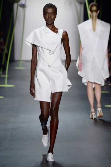 A model walks the runway wearing LIE SANGBONG Spring-Summer 2016 Collection during New York Fashion Week: The Shows at The Dock, Skylight at Moynihan Station on September 13, 2015 in New York City. (Frazer Harrison/Getty Images for Lie SangBong)