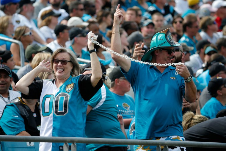 Jacksonville Jaguars fans move the chains to signify a first down during the first half of an NFL football game between the Jacksonville Jaguars and the Carolina Panthers in Jacksonville, Fla., Sunday, Sept. 13, 2015. Carolina Panthers won 20-9. (Stephen B. Morton/AP photo)