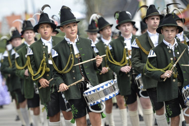 Members of a bavarian music group participate in the landlord's parade on the opening day of the 2015 Oktoberfest on September 19, 2015 in Munich, Germany. The 182nd Oktoberfest will be open to the public from September 19 through October 4 and will draw millions of visitors from across the globe in the world's largest beer fest. (Philipp Guelland/Getty Images)