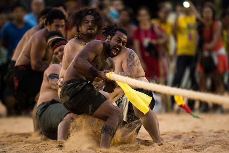 Mauri indigenous native from New Zealand participate in the tug-of-war competition of the first World Indigenous Games on October 25, 2015 in Palmas, Brazil. (Photo by Buda Mendes/Getty Images)