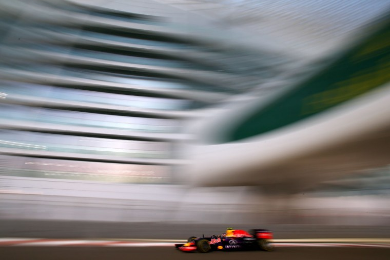 Daniil Kvyat of Russia and Infiniti Red Bull Racing drives during practice for the Abu Dhabi Formula One Grand Prix at Yas Marina Circuit on November 27, 2015 in Abu Dhabi, United Arab Emirates. (Photo by Mark Thompson/Getty Images)