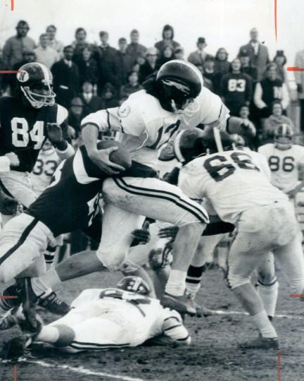 Gilman's Bill Hooper returns one of many kickoffs in Friday's MSA B championship game. (Frank Gardina/Baltimore Sun, 1972)