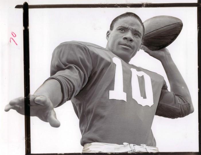 Quarterback Lou Puryear has thrown five touchdown passes for defending B divison champion Edmondson. (William Mortimer/Baltimore Sun, 1964)